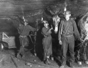 Child coal miners in 1908